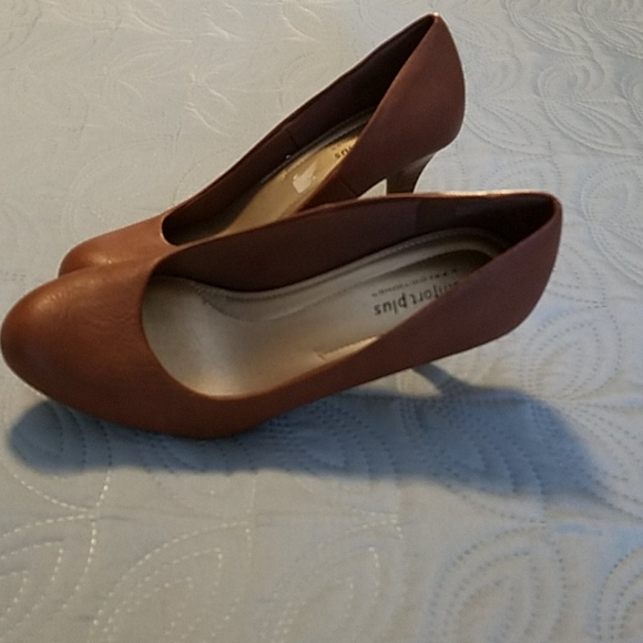 Comfort plus heels in camel brown